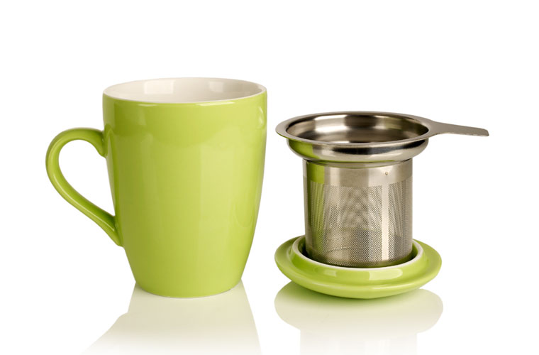 porcelain cup and infuser (grasshopper)